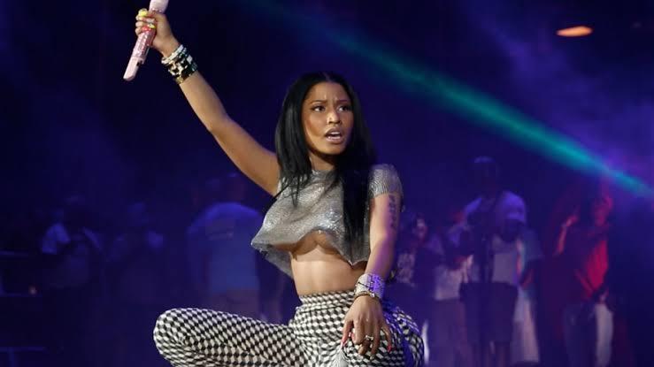 Nicki Minaj - Girls Fall Like Dominoes