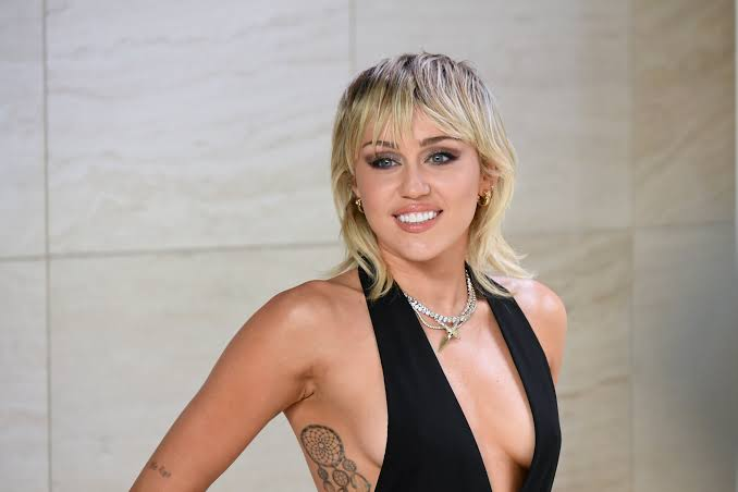 Miley Cyrus - No Stopping Me